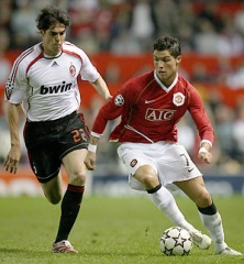 Manchester United 3-2 AC Milan (UEFA Champions League, 24th April 2007): Ricardo Kaka of Milan (on the left) tries to challenge Cristiano Ronaldo of Manchester United (on the right) who dribbles with the ball.