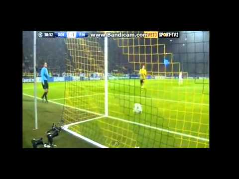 Video: Cristiano Ronaldo – Goal vs Borussia Dortmund (Oct 24, 2012)