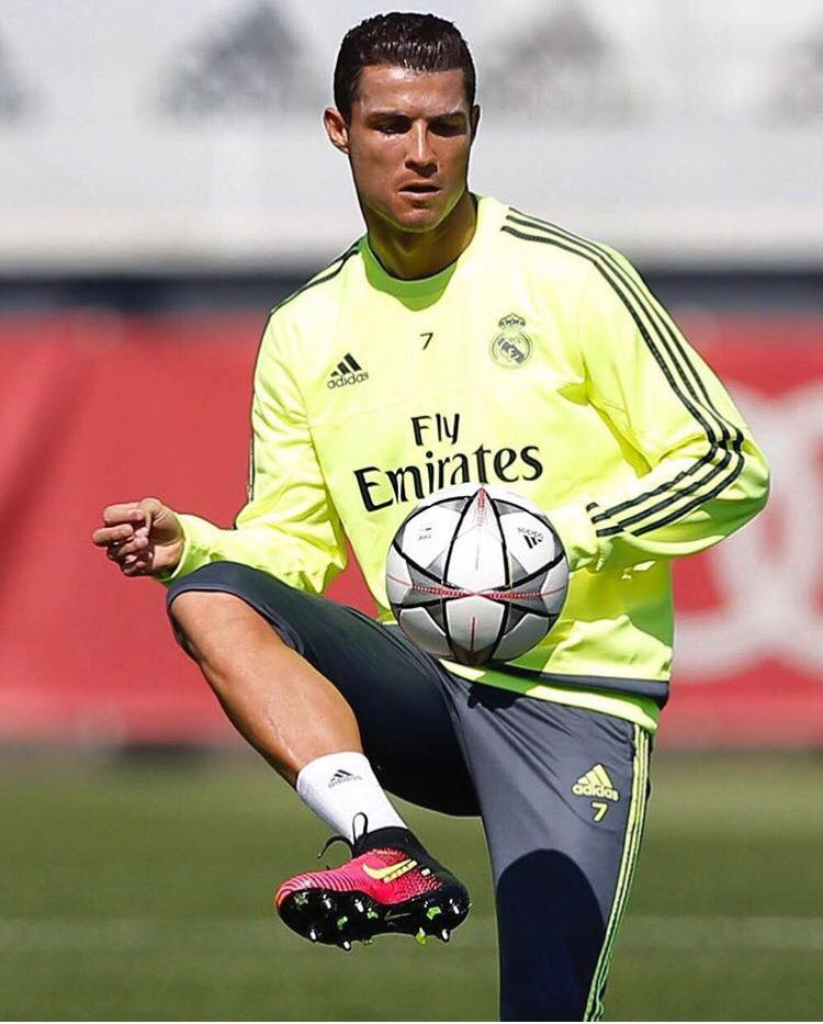 new style 11272 92c40 Real Madrid 5-1 Elche. Cristiano Ronaldo hits four as Real ...